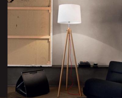 york-ideal-lux-lampada-da-terra-stile-nordico-legno