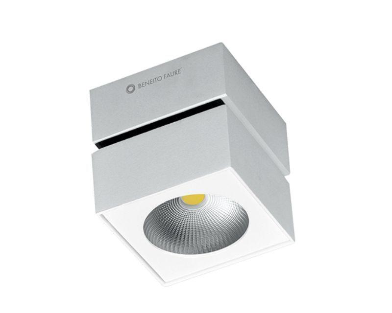 rublk-beneito-lampada-led-quadrata-bianco-orientabile