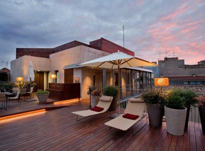 Terrazzo piccolo o grande balcone? Illuminiamolo insieme!