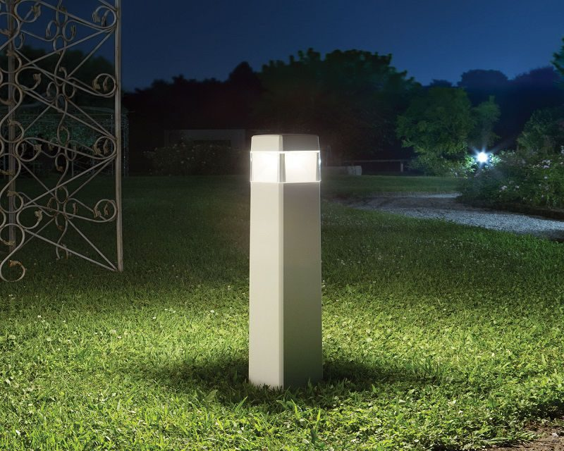 elisa-lampada-da-terra-led-esterna-ideal-lux-ambientazione