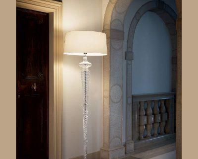 forcola-lampada-terra-vetro-soffiato-classica-ideal-lux-ambientazione