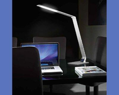 wasp-lampada-orientabile-da-tavolo-led-fabas-ambientazione