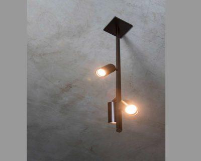 asta-verticale-con-bicchieri-lampadario-sospensione-renzo-serafini-ambiente