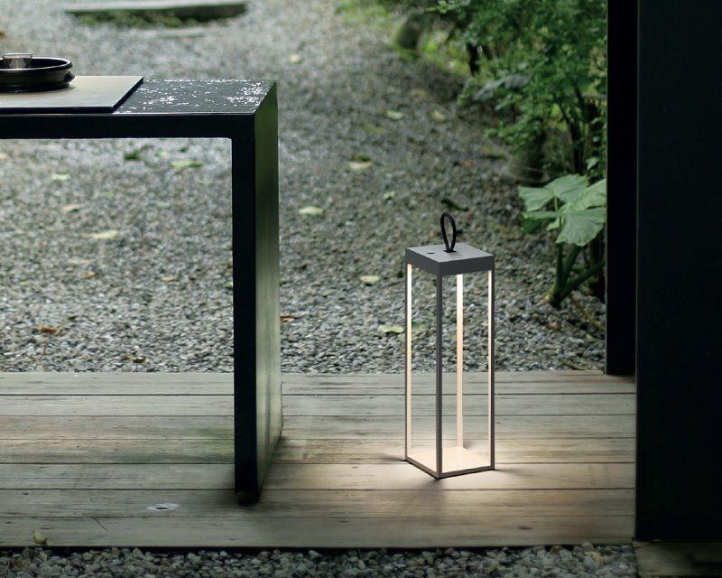 Tavoli Luminosi Da Esterno.Diogene Logica Lampada Da Tavolo Led Per Esterni