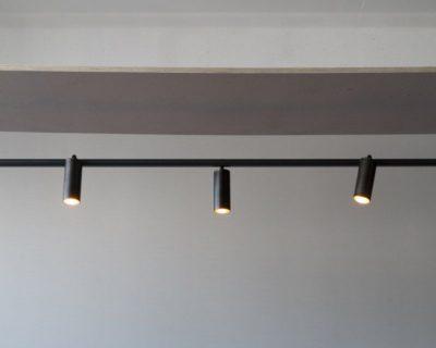 maniglia-bicchieri-lampada-parete-renzo-serafini-luci