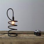 stringimi-lampada-tavolo-dimmerabile-renzo-serafini