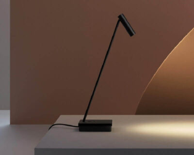 Elamp Leds-C4 Lampada Led da Scrivania Accesa