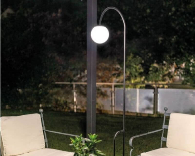 Butler-LineaLight-Decorative-Piantana-da-esterno