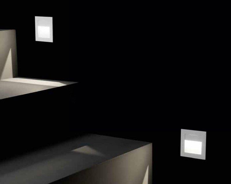 Sign leds c4 segnapasso asimmetrico per interni lightinspiration.it