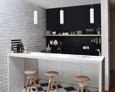 lampadario-moderno-a-tubo-bianco-o-nero-pipe-leds-c4