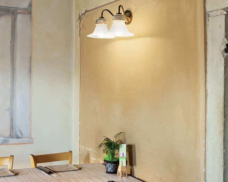 Plafoniere Rustiche A Parete : Mami linea light lampada classica da parete con spot a snodo 2 luci