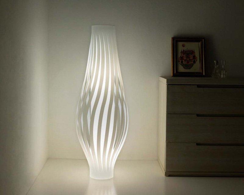 Dama lampada da terra linea zero lightinspiration