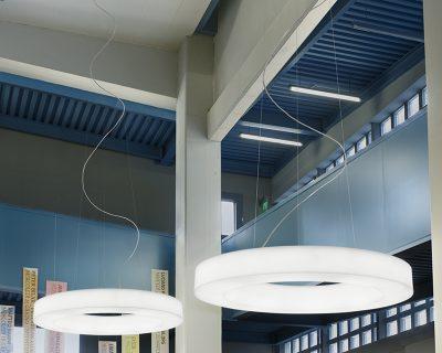 saturn-led-sospensione-catalogo-maede-ambientazione