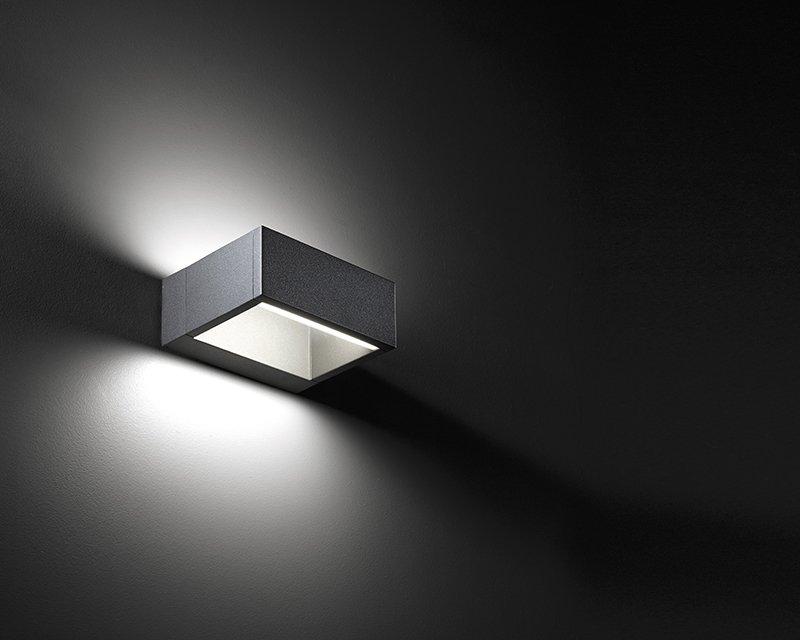 Up down vivida applique led per esterni lightinspiration