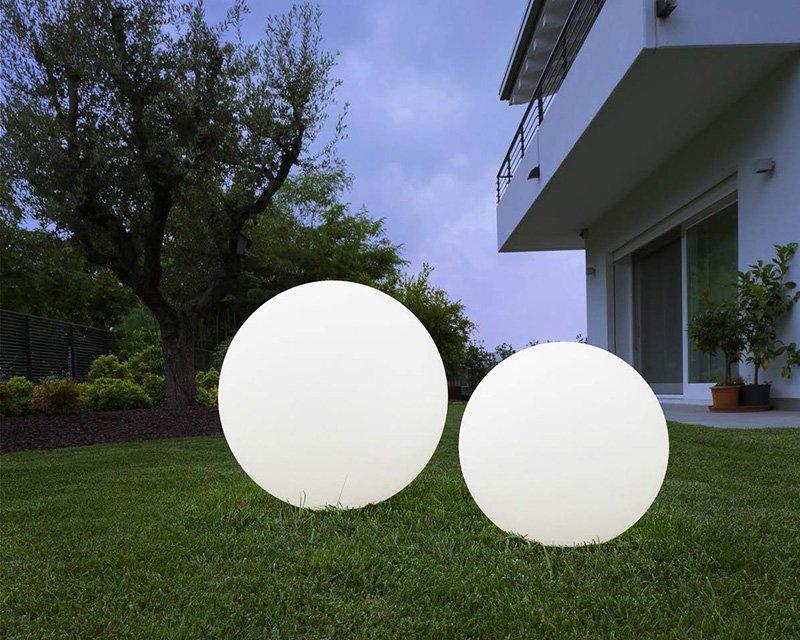 Oh garden linea light lampada led sfera per esterni - Sfere illuminazione giardino ...